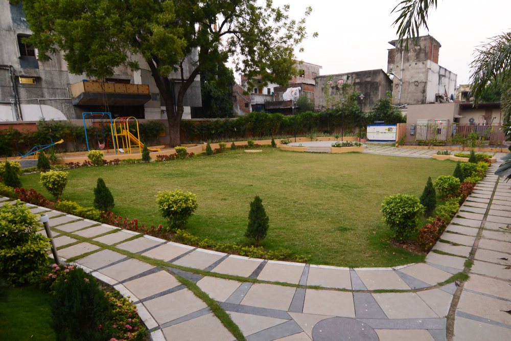 garden with Ample space to Play Jog